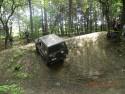 Nissan Patrol w leśnym off-road