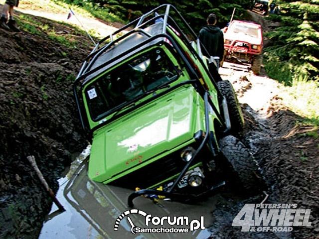 Off Road 4X4 Truck Whoops Suzuki Samurai Water