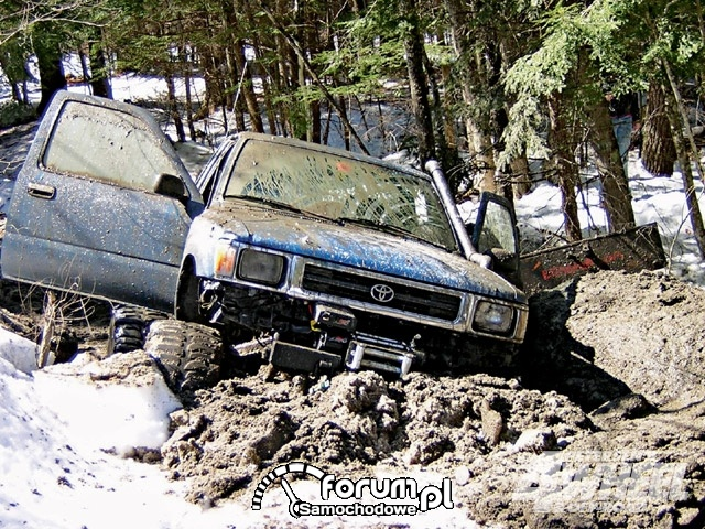Off Road 4X4 Truck Whoops Toyota Truck Snow