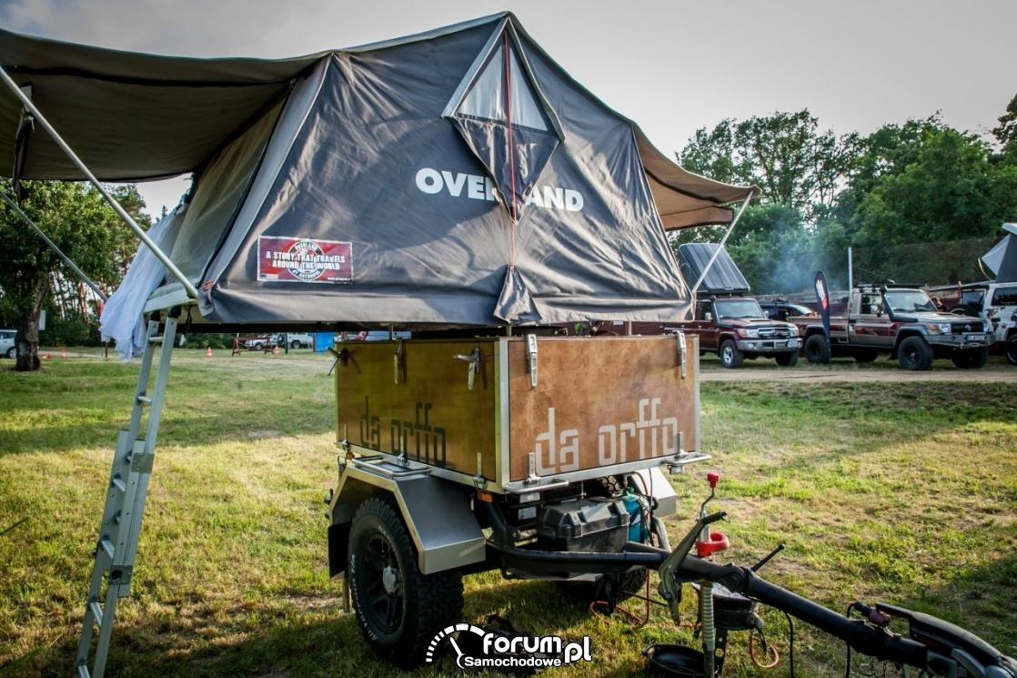 Przyczepka z namiotem