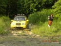 Suzuki Vitara przejazd przez błoto