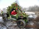 Świąteczny Off-road, terenowe auto w przebraniu