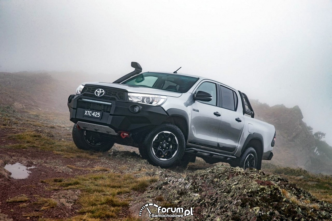 Toyota Hilux Rugged X, Rogue i Rugged