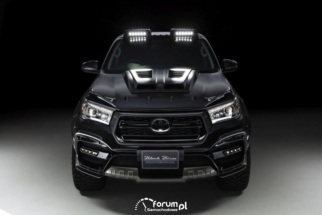 Toyota Hilux w nowej wersji Black Bison