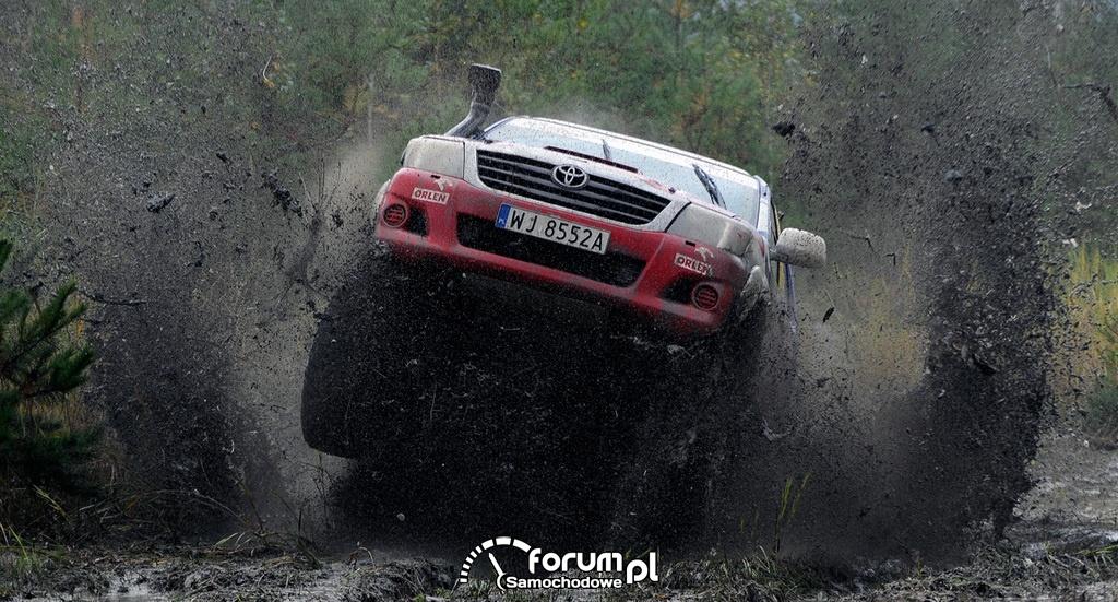Treningowa Toyota Hilux Adama Małysza, off-road, 2