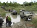 Woda, błoto i samochody terenowe