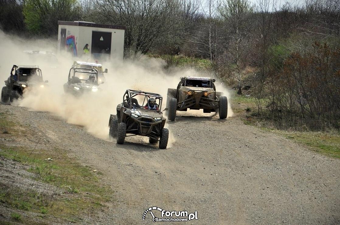 Wyścigi samochodów Buggy i Quadów