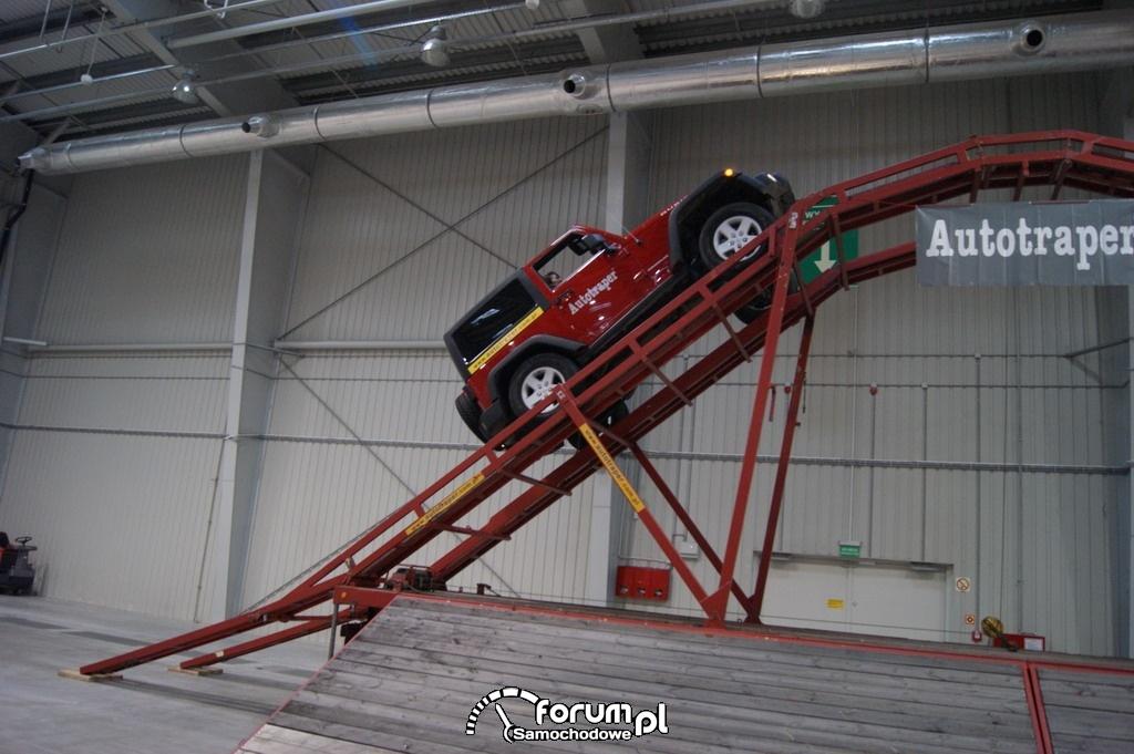 Jeep Wrangler, przejazd po rampie, 4