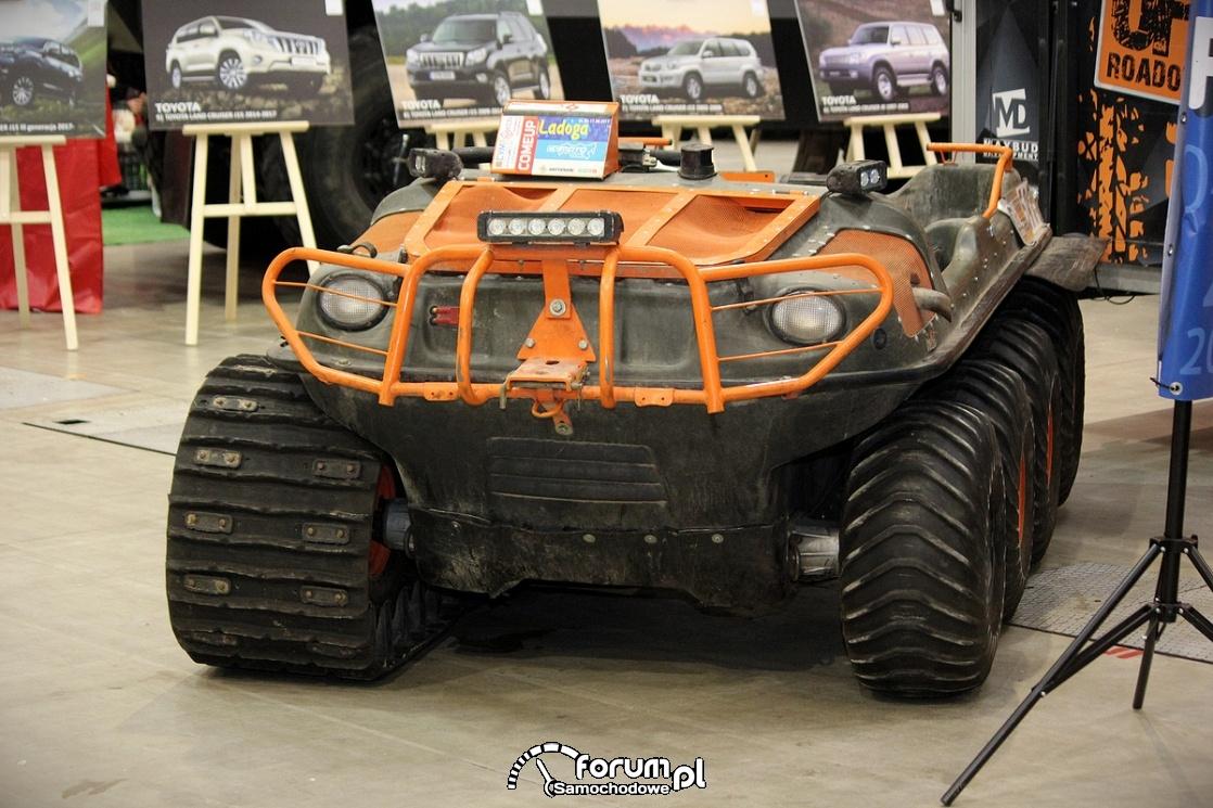 Argo 8x8 750 HDI, przód