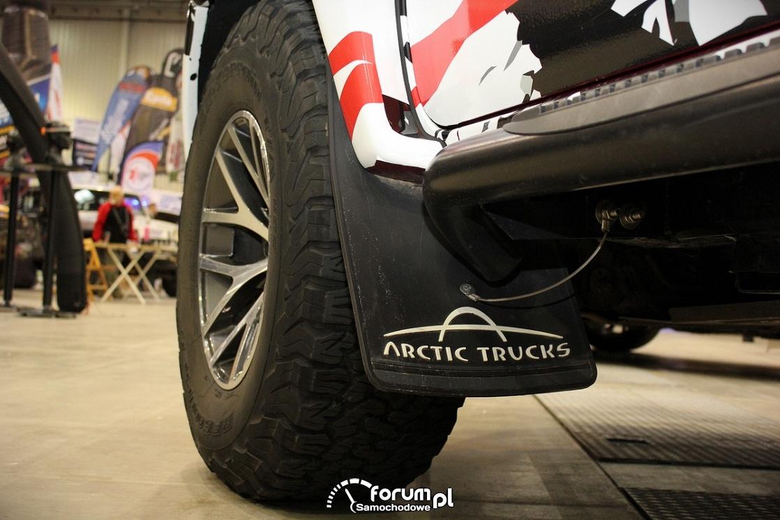 Koła i chlapacze, Toyota Hilux Arctic Truck, 2017