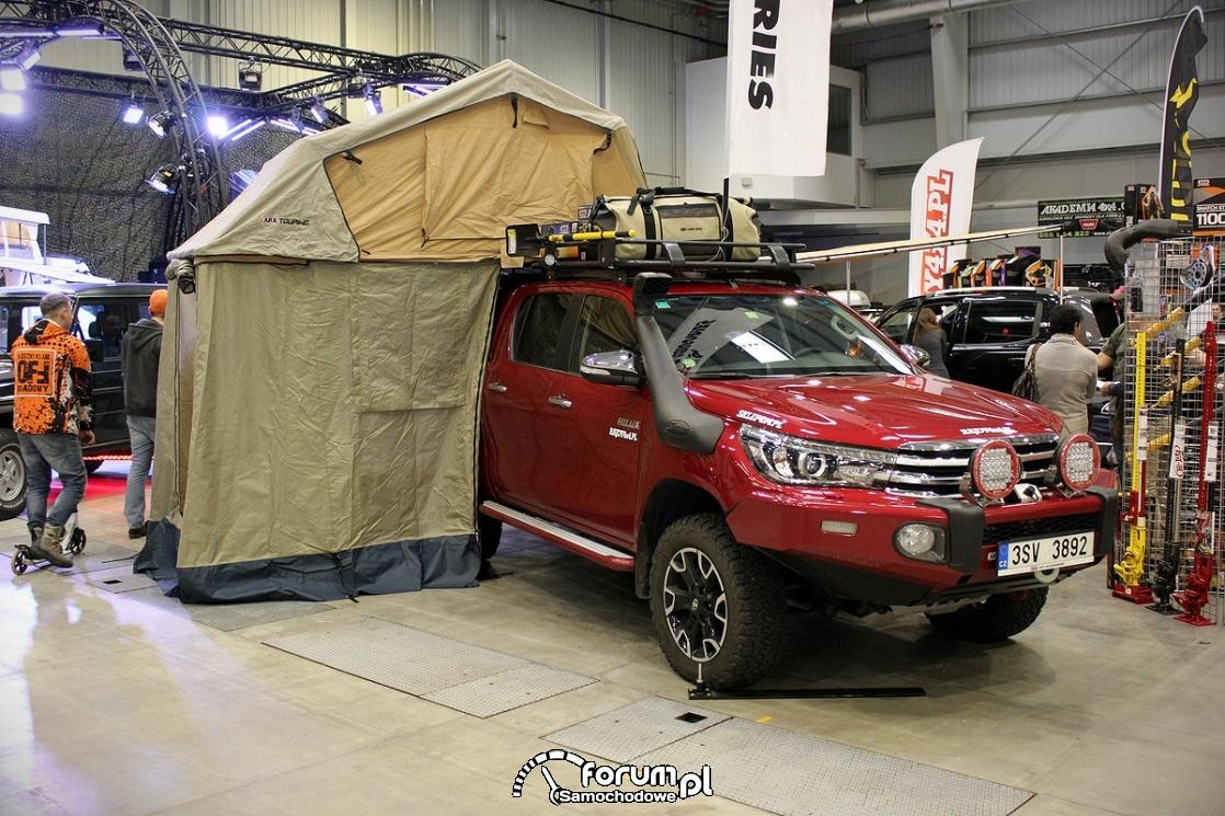 Toyota Hilux 2017, nadbudówka namiot