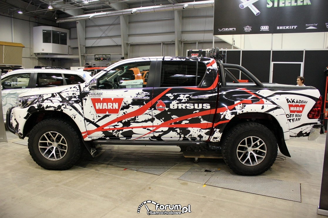Toyota Hilux Arctic Truck, 2017, bok