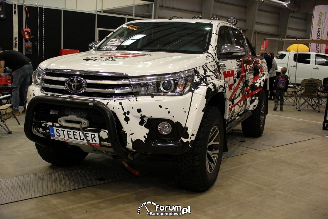 Toyota Hilux Arctic Truck, 2017, przód