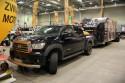 Toyota Tundra z przyczepą
