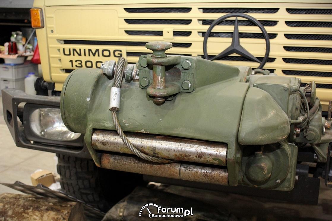 Wyciagarka, Mercedes Unimog 1300L