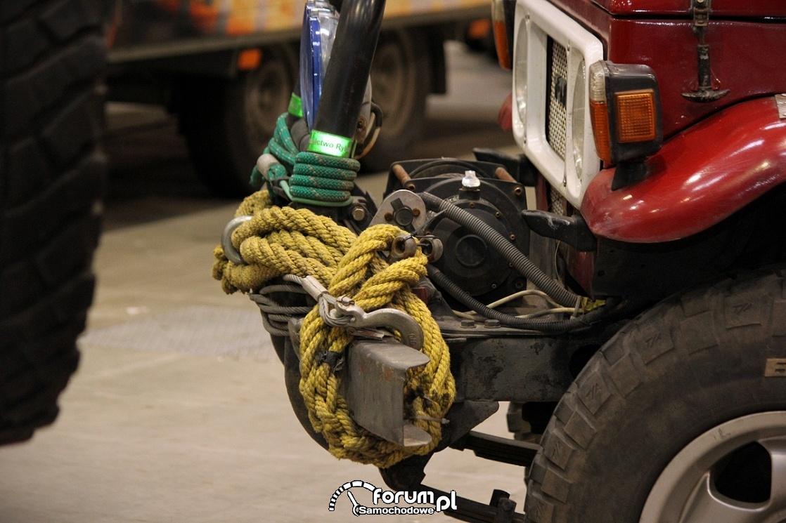 Wyciągarka, Toyota Land Cruiser (J40)