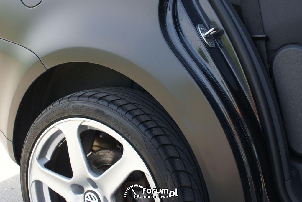 VW TOURAN CZARNY MAT