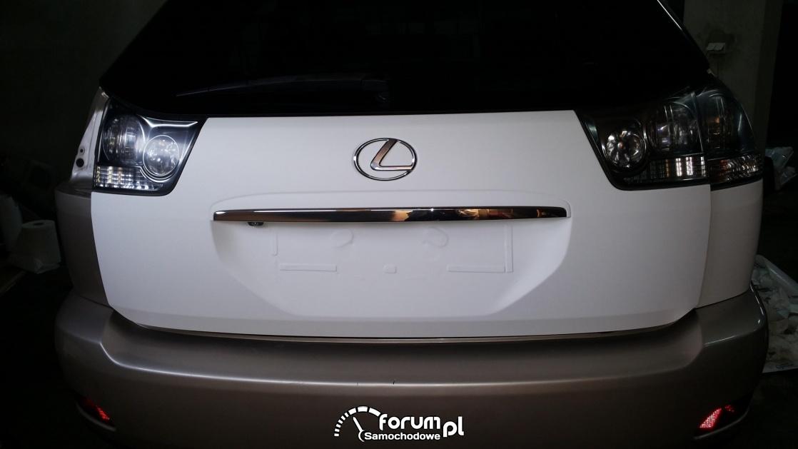 Zmiana koloru Lexus RX