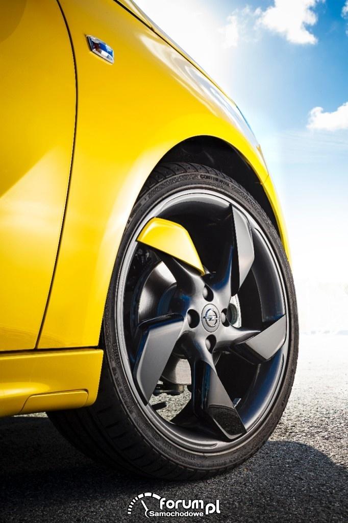 Opel ADAM SLAM z 18'' kołami Twister
