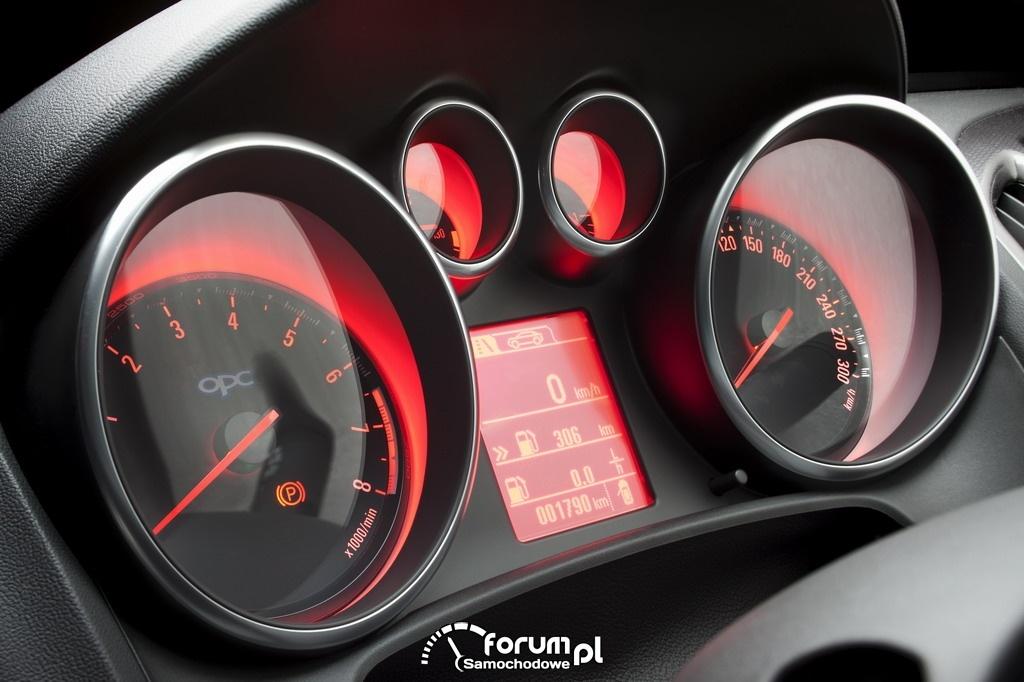 Opel Astra OPC, podświetlenie zegarów