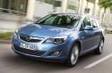 Opel Astra SportsTourer z przodu
