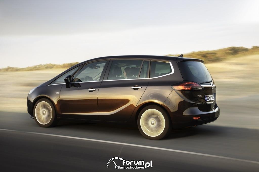 Opel Zafira Tourer, bok