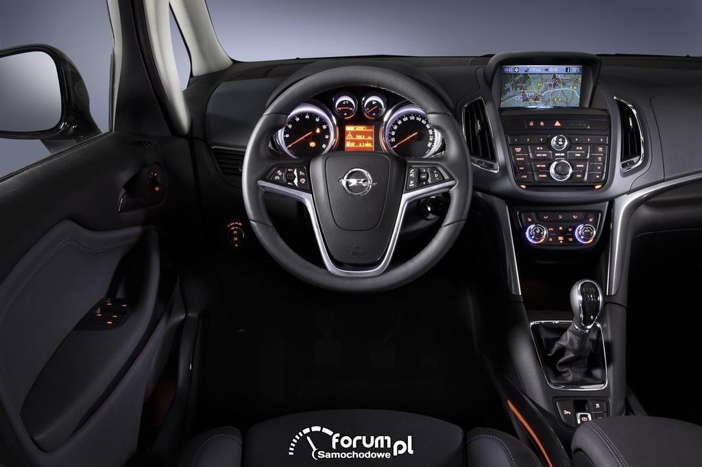 Opel Zafira Tourer, deska rozdzielcza i zegary