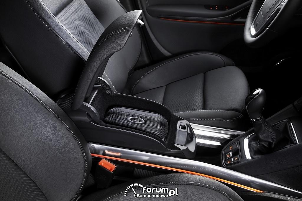 Opel Zafira Tourer, Flexrail, schowek między fotelami