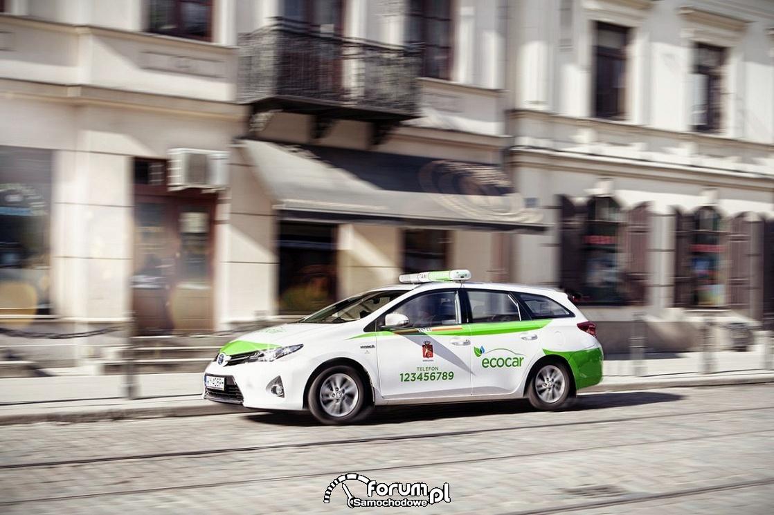 Ekologiczna taksówka hybrydowa