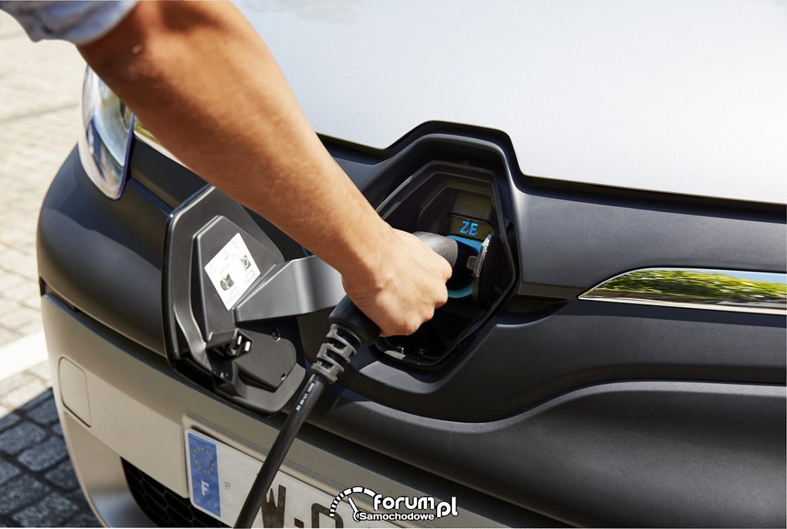 Renault Kangoo ZE, elektryczny samochód dostawczy, gniazdko ładowania