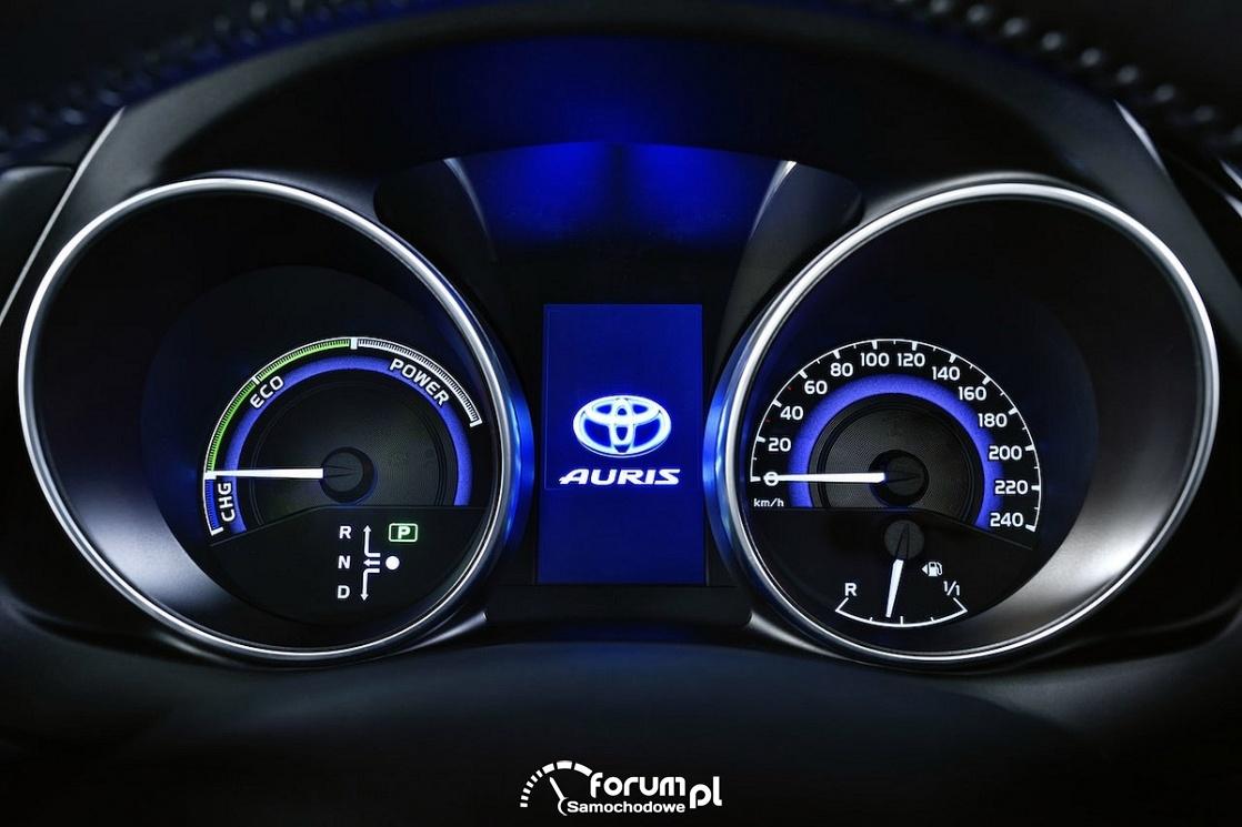 Toyota Auris Hybrid, licznik, zegary