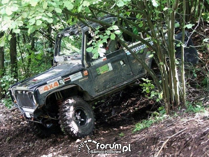 Land Rover Defender 90 - zdjęcie 13