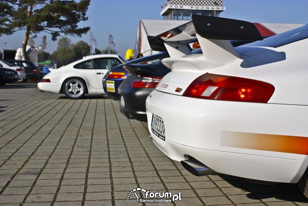 Parking Porsche - Track Day 2011