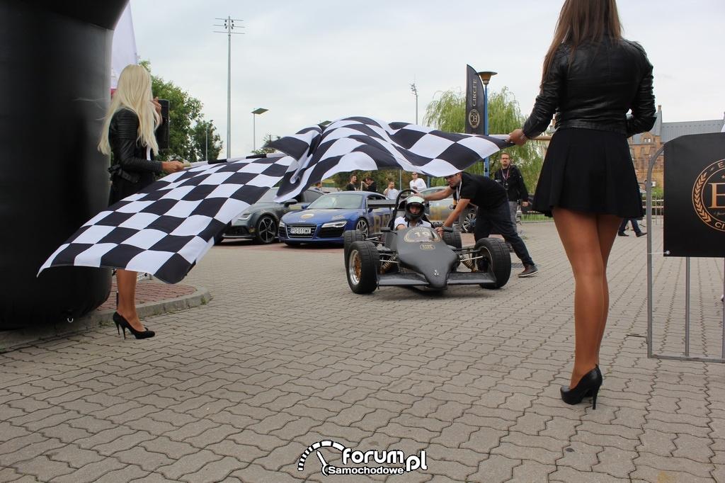 Formuła - Elite Circle - przed startem