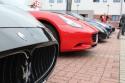 Logo Maserati i inne egzotyczne auta