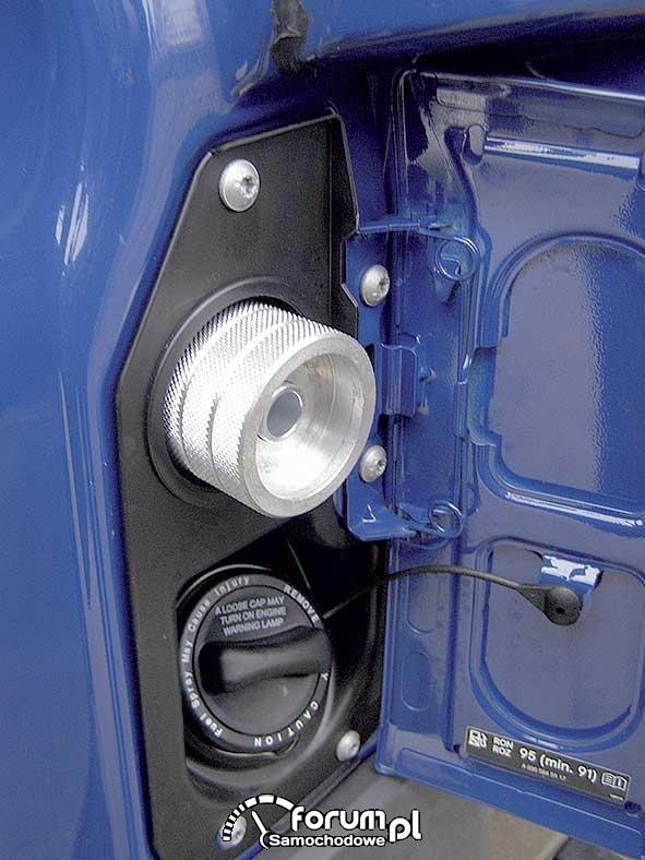 Mercedes Sprinter LGT, miejsce tankowania gazu obok wlewu paliwa
