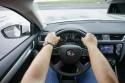 Prawidłowa pozycja trzymania kierownicy