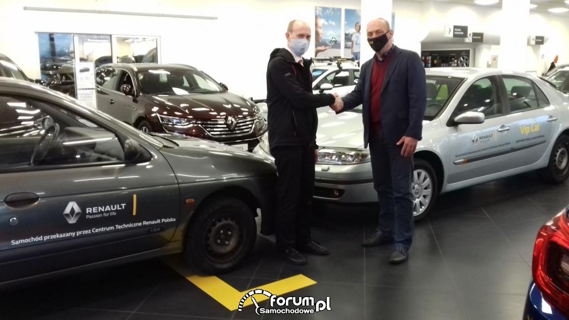 Przekazanie samochodów osobowych dla szkół samochodowych