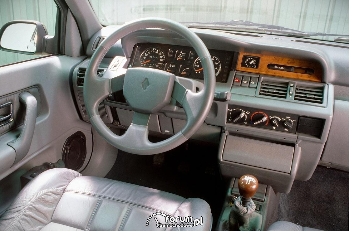 Renault Clio 1, wnętrze, deska rozdzielcza