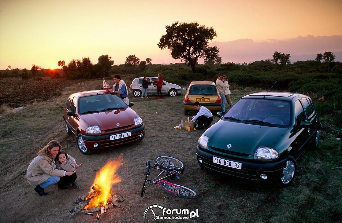 Renault Clio 2, piknik, ognisko