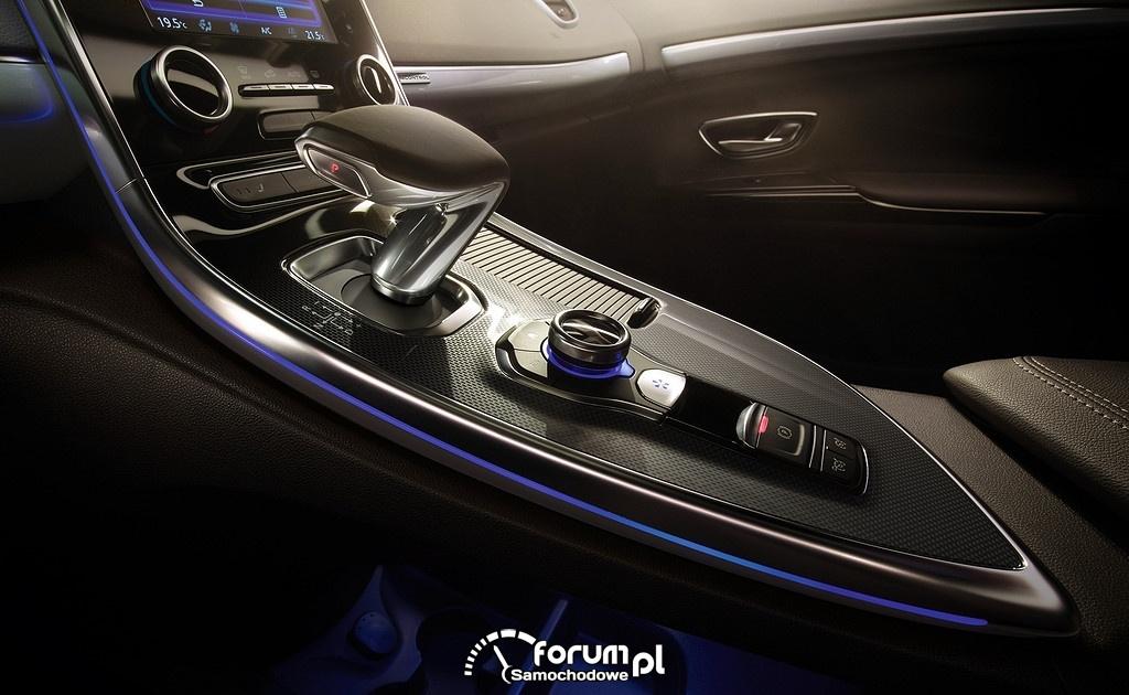 Renault Espace, środkowa konsola i dźwignia zmiany biegów w automacie