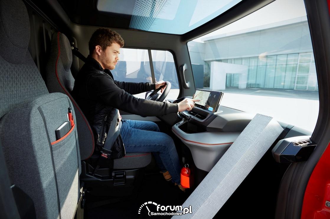 Renault EZ-FLEX - elektryczny i inteligentny lekki samochód dostawczy
