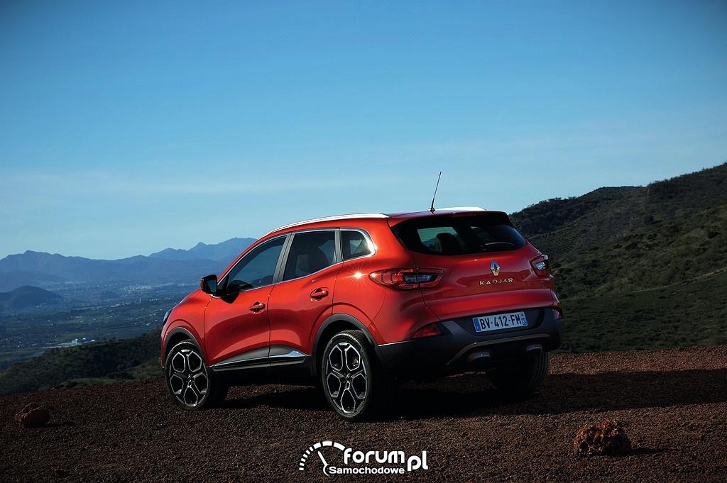 Renault Kadjar w górach, tył