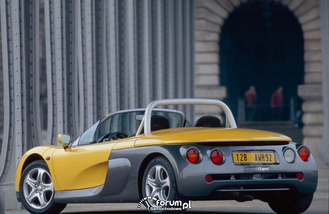 Renault Spider, tył