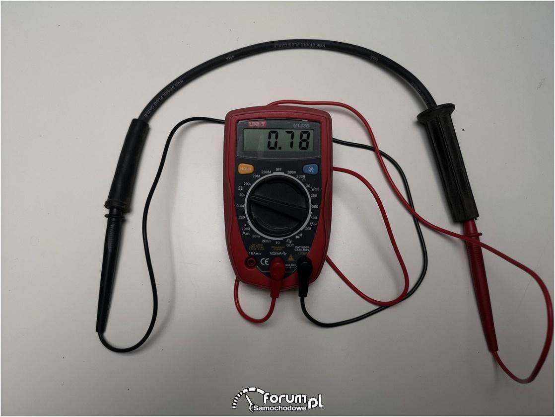 Oporność kabla wysokiego napięcia o długości 46cm