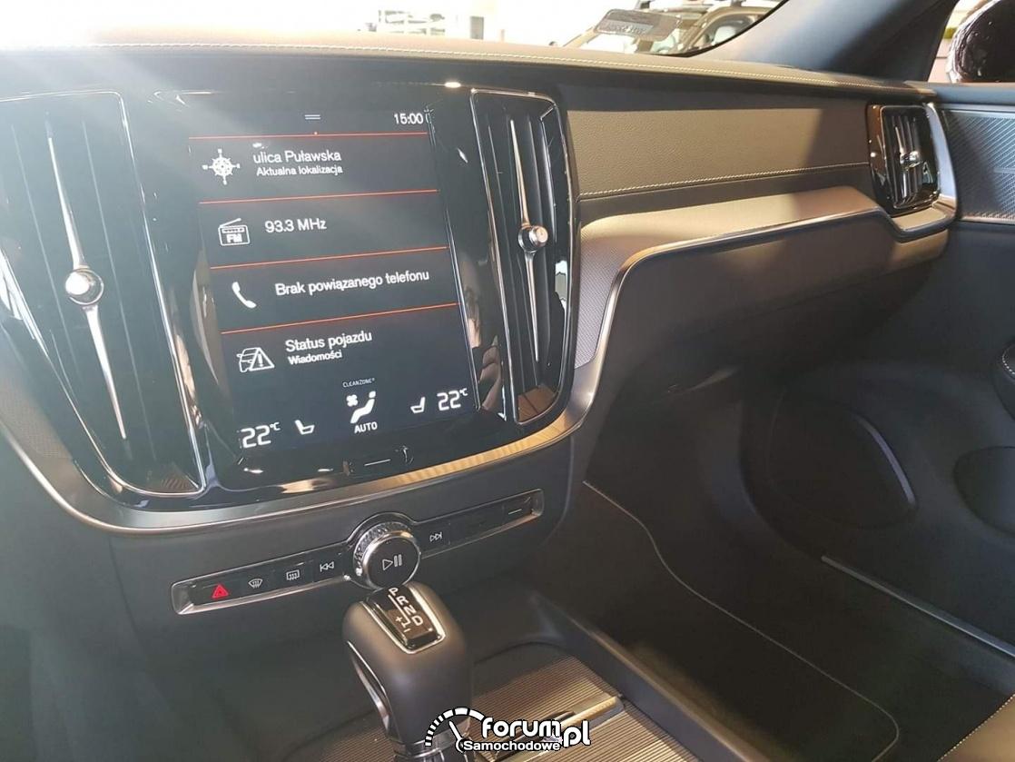 Volvo S60, środkowy wyświetlacz multimedialny