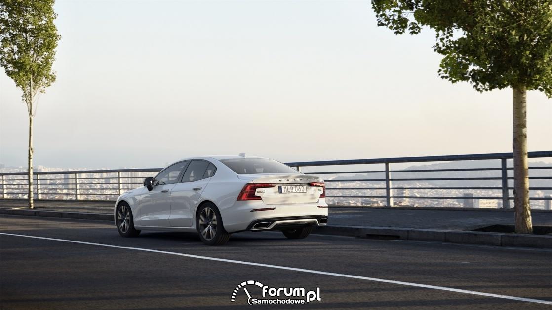 Volvo S60 T4 190 KM R-Design, tył