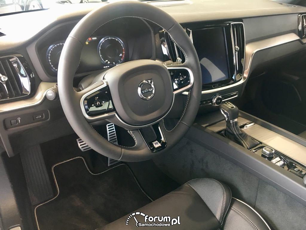 Volvo S60 widok wnętrza od strony kierowcy
