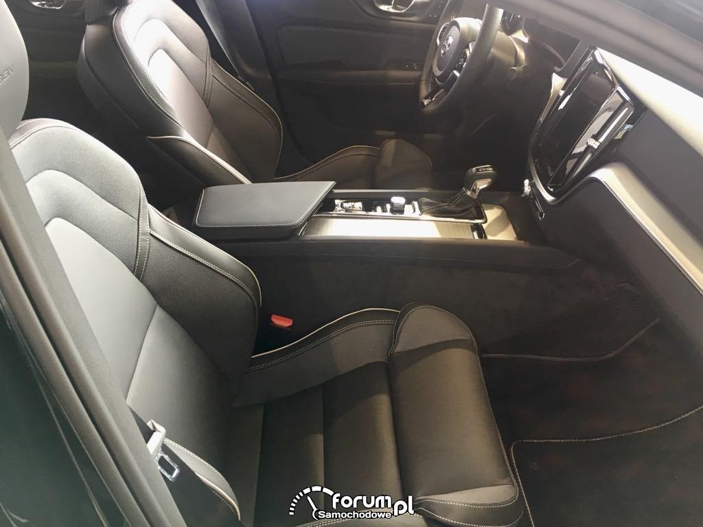Volvo S60, wnętrze