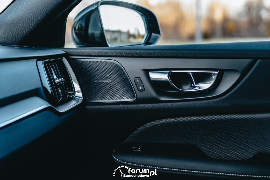 Volvo V60 D4 190KM R-Design, wykończenie wnętrza, detale
